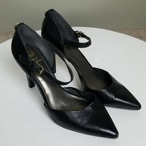 Monet Black Leather Mary Jane Pointed Toe Pumps